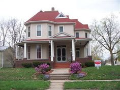 Check out the home I found in Oskaloosa Old Houses, My House, Building A House, Home And Family, Homes, Mansions, House Styles, Home Decor, Houses