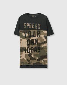 Pull&Bear - homem - urban camo - t-shirt camuflagem texto - preto… Pull & Bear, Pull And Bear Men, Pant Shirt, Mens Tee Shirts, Boys T Shirts, Camouflage, Spring Shirts, Fashion Graphic, Men Dress