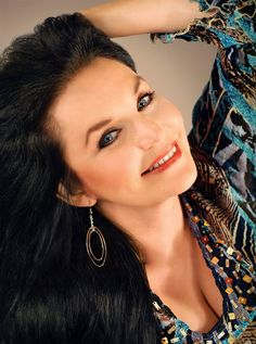 Crystal Gayle Christmas Show in Branson, MO Most Beautiful People, Beautiful Voice, Crystal Gayle Hair, Country Western Singers, Native American Music, American Bandstand, Loretta Lynn, Christmas Shows, Country Music Stars