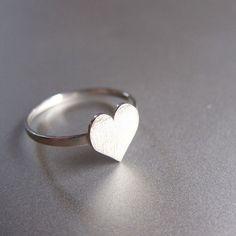 anillo de plata del corazón - anillo de corazón  de Sonriendo anillo de plata platero y joyería por DaWanda.com