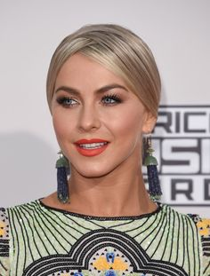 Julianne Hough attended the American Music Awards wearing her hair in a knotted chignon with crisscross detail at the top.