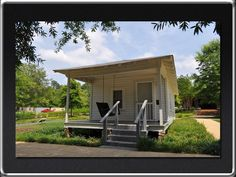 birthplace of Elvis Tupelo, MS