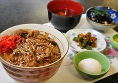 牛丼*Beef bowl