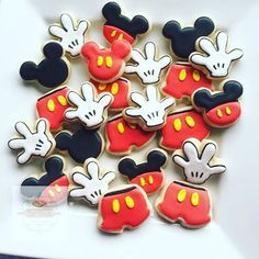Another great use of our custom cutter tool by @natsweets Mini Mickey hands, pants and ears To create your own custom mini cookie cutters go to our website. Link in profile #cookiecutterkingdom