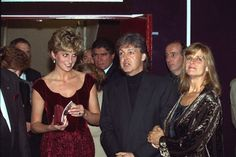 15 Nov 1992, LILLE, NORD PAS-DE-CALAIS, France --- OFFICIAL VISIT OF LADY DIANA TO LILLE --- Image by © CORBIS SYGMA