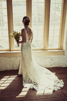 Lace wedding gown from rusticweddingchic.com