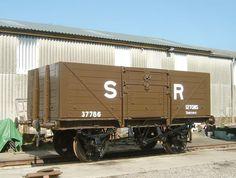 Best Wagons, Southern Railways, British Rail, Rolling Stock, Thomas And Friends, Train Car, Model Trains, Locomotive, Building