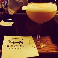 Supper at The Blind Pig | 27 Places In Dublin You Must Visit Before You Die