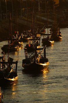 Porto, Vila Nova de Gaia - Barcos ao pôr do sol, Portugal