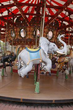 Victorian Dollhouse, Modern Dollhouse, Audubon Zoo, Fair Rides, Amusement Park Rides, Painted Pony, Merry Go Round, Elephant Art, Carousel Horses