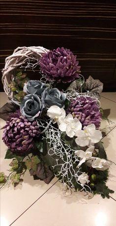 Arrangements Funéraires, Funeral Flower Arrangements, Artificial Flower Arrangements, Artificial Flowers, Grave Flowers, Cemetery Flowers, Funeral Flowers, Grave Decorations, Flower Decorations