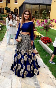 Browse a wide range of 25 Bollywood Fashion images and find high quality and professional pictures you can use for free. You can find photos of 25 Bollywood Fashion Indian Attire, Indian Wear, Indian Bridal Wear, Pakistani Bridal, Indian Style, Moda India, Party Kleidung, Party Wear Lehenga, Desi Clothes
