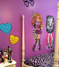 *ALL MURALS HAND PAINTED* Hand Painted Wallpaper Mural by Roxanne at: www.etsy.com/... ____________________________ Monster High Heart Price: EACH $16.99 + $8.99 USPS Prio. Ship w/tracking