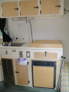 Gainsboro grey boler kitchen.