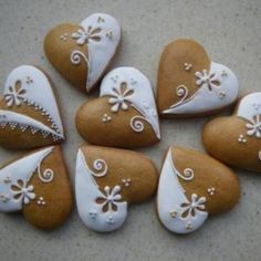 Slovak gingerbread cookies – Valentine's Day Fancy Cookies, Heart Cookies, Valentine Cookies, Iced Cookies, Cute Cookies, Royal Icing Cookies, Holiday Cookies, Cookies Et Biscuits, Cupcake Cookies