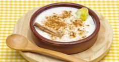 We have prepared an easy rice pudding recipe based on the treaditional directions! You will surpise all your family and friends with this delicious dessert. Sago Pudding Recipe, Easy Rice Pudding, Pudding Recipes, South African Desserts, South African Recipes, Cuban Recipes, Tart Recipes, Spanish Recipes, Old Fashioned Rice Pudding
