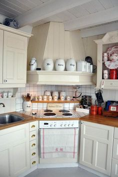 Kitchen Corner Cabinet Storage Ideas 2017 - Image 11 of 20 Smart Kitchen, New Kitchen, Kitchen Decor, Kitchen Design, Kitchen Ideas, Kitchen Layouts, Kitchen Updates, Pantry Ideas, Kitchen Small