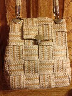 Med Sz Vintage Made In Italy Shoulder Bag Gold Tan Turn Lock Woven Shimmery