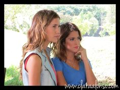 Angie y Violetta Violetta Disney, Clara Alonso, Best Series, Character Inspiration, Tv Shows, It Cast, Characters, Fan, Queen