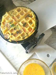 Healthy Waffles, Savory Waffles, Breakfast Waffles, Pancakes And Waffles, Breakfast Recipes, Breakfast Ideas, Churro Waffles, Yummy Waffles, Mexican Breakfast