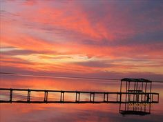 $675 House Gulf Breeze near Pensacola - Waterfront, Dock, Canoe, Pooltable, Paddleboat, Pets considered