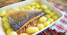 Receta de como hacer salmón relleno de setas y beicon, receta casera, fácil y rápida. No te pierdas el paso a paso, viene acompañado de video receta.