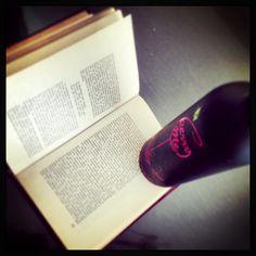 El mejor maridaje es un Vino BerryMe y un libro