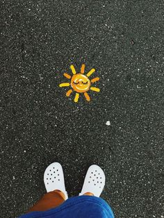 creds vsco is part of Sidewalk chalk art - Chalk Drawings, Art Drawings, Chalk Design, Sidewalk Chalk Art, Vsco, Summer Aesthetic, Aesthetic Girl, Mellow Yellow, Photomontage