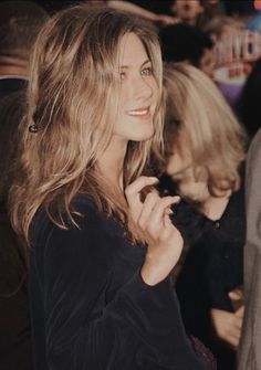 Jeniffer Aniston, Jennifer Aniston Hot, Jennifer Aniston Pictures, Jennifer Lawrence, Estilo Rachel Green, Rachel Green Style, Rachel Friends, Friends Tv Show, Glam Hair