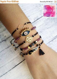 SALE Wing bracelet friendship bracelet macrame by MarKiJewelry