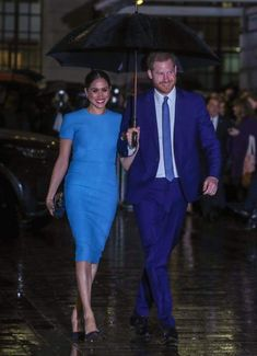 Meghan Markle Steps Out with Prince Harry for First Time Since Returning to the U. — People Meghan Markle Steps Out with Prince Harry for First Time Since Returning to the U. Meghan Markle Dress, Royal Engagement, Cape Dress, Prince Harry And Meghan, Duke And Duchess, Ladies Day, Victoria Beckham, Marie, How To Wear