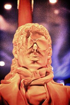Michael Jackson Statue by Aini Yahya, via Flickr