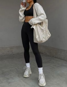 Neue Outfits, Sporty Outfits, Cute Casual Outfits, Minimalist Outfit, Look Fashion, Fashion Outfits, Cooler Look, Everyday Outfits, Streetwear Fashion