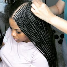 What are the box braids? We braid hair since the dawn of time, so we found traces of braided hairstyles dating back to Prehistory! After a dazzling comeback in the the fashion of braids (or rather mats) does not seem… Continue Reading → Hairstyle Braid, African Braids Hairstyles, Weave Hairstyles, Cornrolls Hairstyles Braids, African Braids Styles, Kid Hairstyles, Black Girl Braids, Braids For Black Hair, Girls Braids