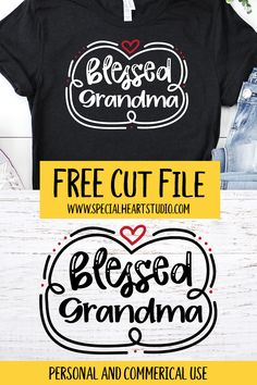 Free SVG Cut Files for your Cricut or Silhouette. Mama, Grandma, Mimi and Nana. Make a shirt for your loved one with this free design. Cricut Svg Files Free, Free Svg Cut Files, Cricut Fonts, Mother's Day Theme, Cricut Tutorials, Cricut Ideas, Cut Up Shirts, Cricut Craft Room, Making Shirts