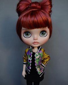 🌺Opal🌺 (Reserved) wonderdul jacket by John ❤️ Blythe Dolls, Barbie Dolls, Mo Hair, Kawaii Doll, Little Doll, Custom Dolls, Ball Jointed Dolls, Doll Face, Big Eyes
