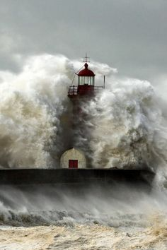 lighthouse and waves...surf's up!
