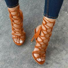 high heels sandals outfit