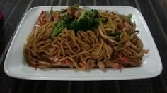 Shanghai / Chicken Stir Fried Noodles
