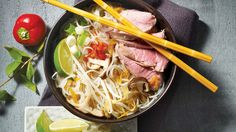 Soupe tonkinoise Pho, Pork Soup, Asian Recipes, Ethnic Recipes, Beef, Chicken, Healthy, Vietnam, Style