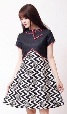 Batik kombinasi polos Source by iasria batik Vintage Midi Dresses, Lovely Dresses, Casual Dresses, Fashion Dresses, Model Dress Batik, Batik Dress, Dress Batik Kombinasi, Dress Anak, Blouse Batik