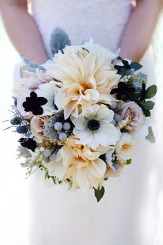 Anemone and dahlia wedding bouquet | Patricia Kantzos Photography