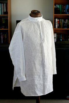 A simple Elizabethan linen shirt, by Andrew Reid (SCA - Master Bartolomeo Agazzari).