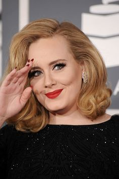 Adele Shows Us That Clever Nail Art Can Still Be Classy