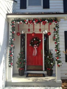 Top Collection Christmas Porch Decorating Ideas - homebeautydesign.com