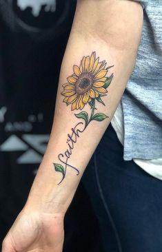 Celebrate the Beauty of Nature with these Inspirational Sunflower Tattoos coole Sonnenblumen Tattoo Ideen © Tätowierer natashaeinck_art 💙🌻💙🌻💙🌻💙🌻💙 Sunflower Tattoo Sleeve, Sunflower Tattoo Shoulder, Sunflower Tattoo Small, Sunflower Tattoos, Sunflower Tattoo Design, Sunflower Tattoo Meaning, Floral Thigh Tattoos, Forearm Tattoos, Finger Tattoos