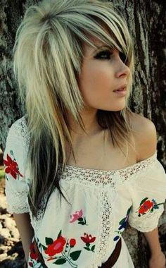 Cortes de pelo y peinados EMO para mujeres