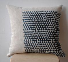 boukhou triangle pillow
