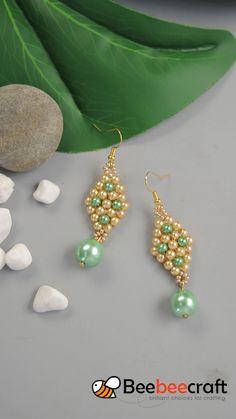 Tutorials on making - Perlen Schmuck Seed Bead Jewelry, Bead Jewellery, Jewellery Shops, Handmade Jewellery, Jewellery Making, Silver Jewelry, Beaded Earrings Patterns, Beaded Bracelets, Beading Patterns Free