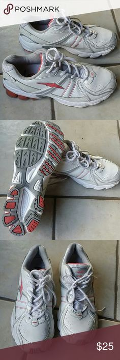AVIA Shoes Lace-ups Size 8.5 White/Pink Item is in a good condition, NO PETS AND SMOKE FREE HOME. Avia Shoes Athletic Shoes